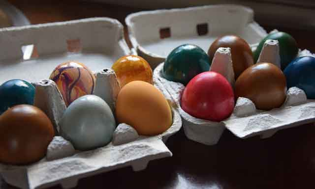 recipe-day-paint-eggs-ecologically