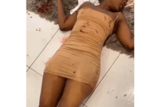 Photo of Slay Queen dies after sleeping with 'sakawa' snake