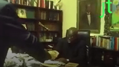 Photo of LEAKED: President Akufo-Addo caught on video taking bribe