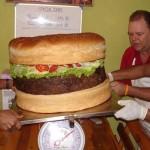Cheeseburger 20 κιλών για γαμήλια τούρτα!