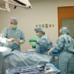 Γιατρός έπαθε καρδιακή προσβολή και συνέχισε την εγχείρηση