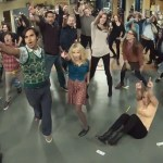 Flash mob στο Big Bang Theory [03:52]