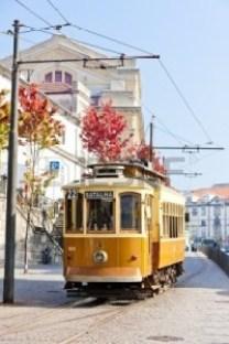 tram-porto-portugal