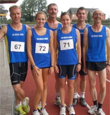 Bild zu Carolin Liedke/LG Celle Land siegt bei den Bezirksmeisterschaften über 1500 m  (25.8.2011 )