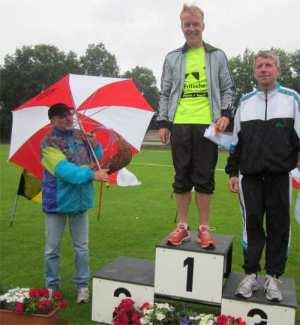 Bild zu Stefan Bädermann überrascht mit Norddeutschen Meisterschaftstitel! (5.7.2012 )