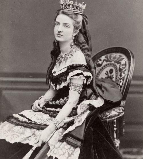 APPROFONDIMENTI – La regina influencer: Margherita di Savoia, prima first lady dell'Italia Unita.