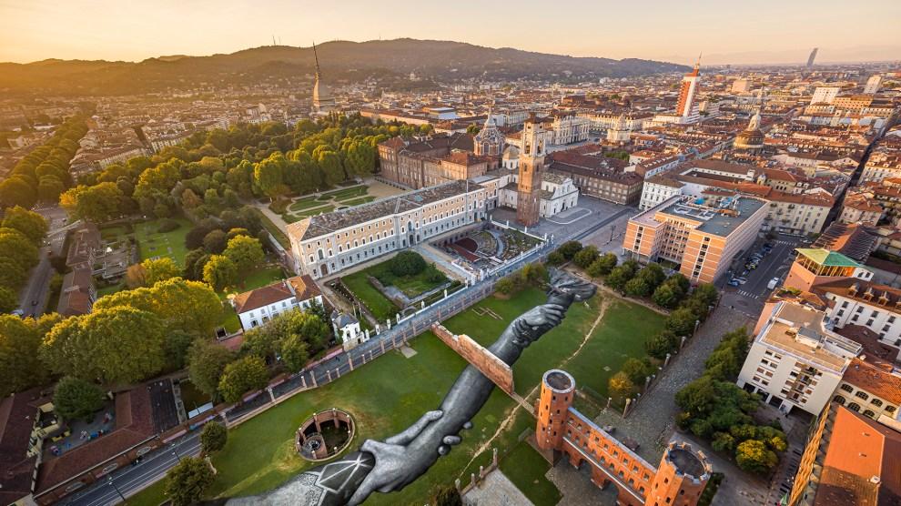 Musei Reali Torino / BEYOND WALLS. TORINO 2020 by Saype