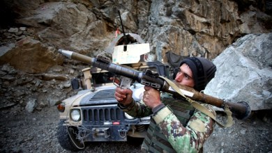 An Afghan National Army soldier holds a Rocket Propelled Grenade at an army checkpoint in Kabul, Afghanistan, March 14, 2015. Some nine militants have been killed in Afghan army operations since early Thursday, said the country's Defense Ministry on Saturday morning. (Xinhua/Ahmad Massoud)(hy)