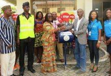 Omnibank Donates