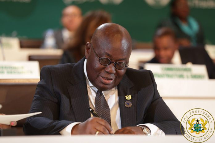 President Akufo-Addo signing the CFTA Agreement