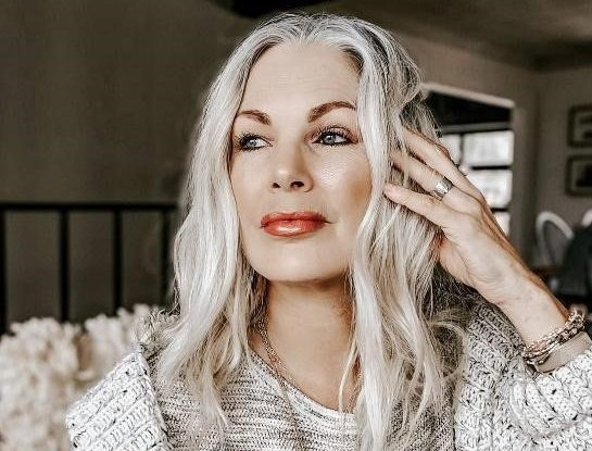 Unbelievably Easy Hairstyles For Women Over 50