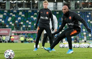 Ryan Babel and Frenkie de Jong both start for the Dutch tonight.