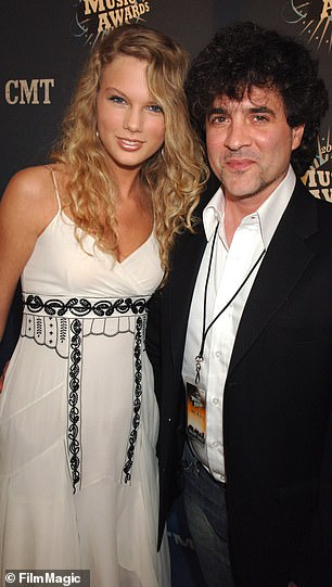 Taylor Swift and Borchette during 2006 CMT Music Awards
