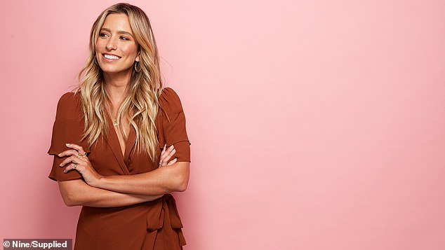 New gig! In a statement, Renee, 33, said that she's excited to be back on Australian TV, being a host of hit American entertainment show, Extra