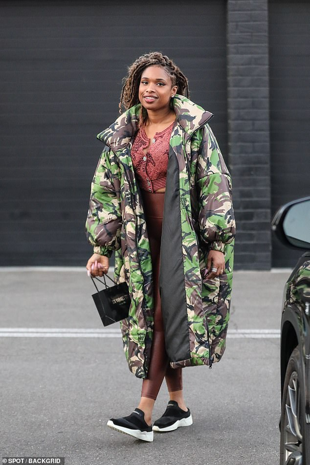 Diamonds:Jennifer Hudson stayed warm while doing some diamond shopping in Beverly Hills on Monday afternoon