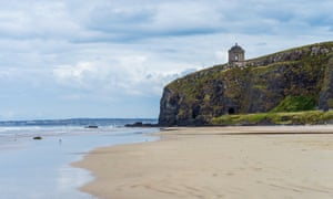 Mussenden Temple as viewed from Downhill Beach. Built in 1785 as an estate library, this small building was modeled after Rome's Temple of Vesta, Northern IrelandDownhill, County Londonderry, Ireland