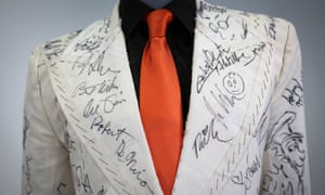 A closer view of Powell's suit