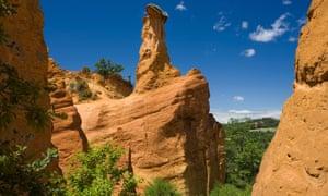 Colorado Provencal, rocks of ochre under a blue sky