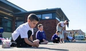 children distancing at primary school