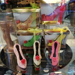 Chocolate shoes in the window of Jordino.