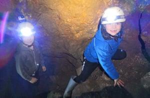 Gritsone, Caving in the Peaks