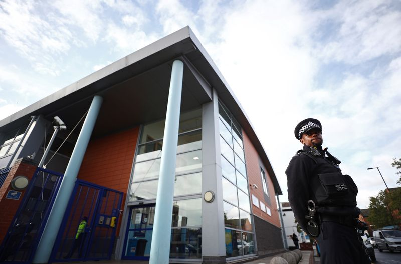 © Reuters. FILE PHOTO: British police officer shot dead at custody centre in south London