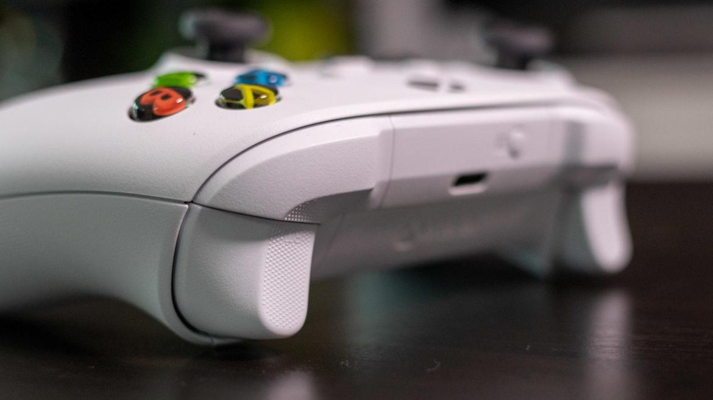 Xbox Series S controller white rear
