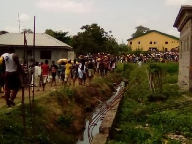 Looting continues as residents raid Abuja's largest warehouse
