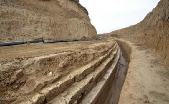 Κοντά σε σπουδαία αρχαιολογική ανακάλυψη στην Αμφίπολη - Ενδείξεις για μεγάλο βασιλικό τάφο - Πιθανόν να ανήκει στον γιο ή τη γυναίκα του Μ.Αλεξάνδρου