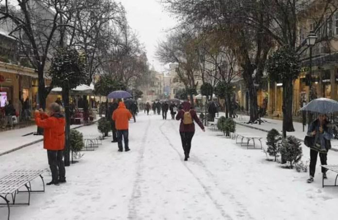 Καιρός – Κέρκυρα: Χιόνισε μέσα στην πόλη μετά από 13 χρόνια! Video | Newsit.gr