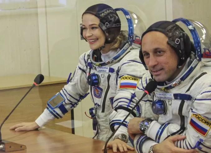 Οι Ρώσοι γυρίζουν ταινία στο Διάστημα και μπαίνουν στον ανταγωνισμό με τον Τομ Κρουζ | SoyuzMS19 Movie APE2