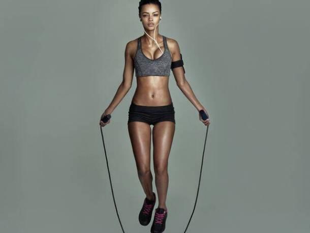 Πόνοι στη μέση: Ποιες είναι οι κατάλληλες ασκήσεις
