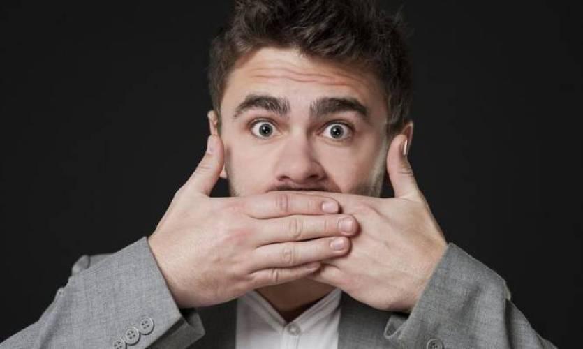 Κακοσμία στόματος: Αίτια και 5 μυστικά για να μην έχετε κακή αναπνοή [vid]