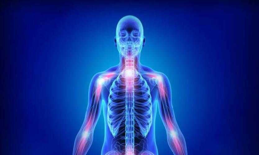 Ρευματοειδής αρθρίτιδα: Συμπτώματα και διατροφή – Όλα όσα πρέπει να ξέρετε [vids]