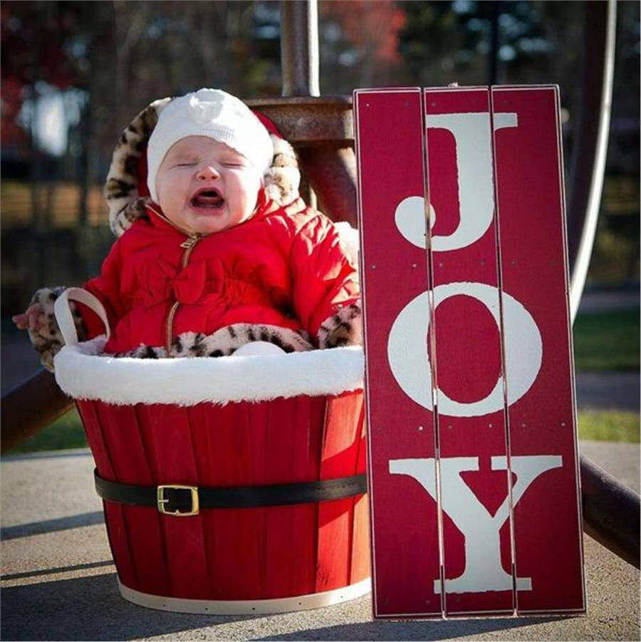 To μόνο πράγμα που μπορεί να ανατρέψει το Χριστουγεννιάτικο σκηνικό είναι απλά... ένα παιδί