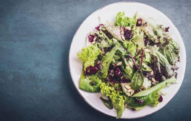 Ινομυαλγία: 5 τροφές για να αντιμετωπίσετε τον πόνο και τη δυσκαμψία