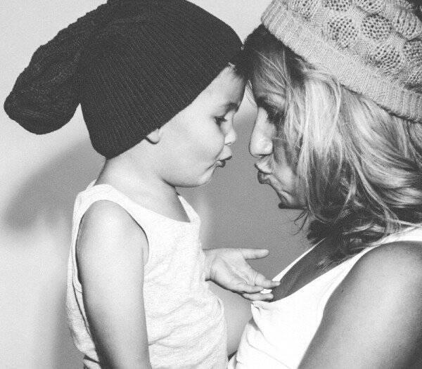 9 σημαντικά πράγματα που έχουν ανάγκη τα παιδιά να ακούν από τους γονείς τους