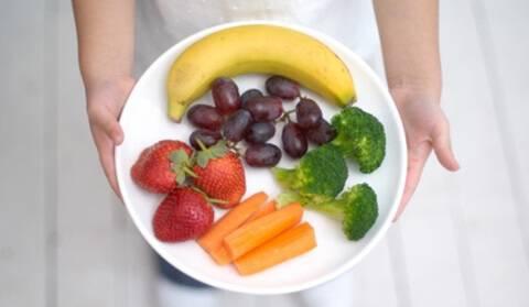 Πέντε διατροφικές συνήθειες για πιο γερά και υγιή δόντια