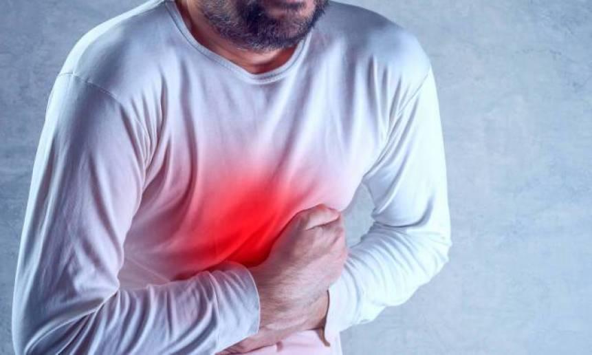 Πόνος στην κοιλιά αριστερά ή δεξιά: Τι μπορεί να είναι το καθένα