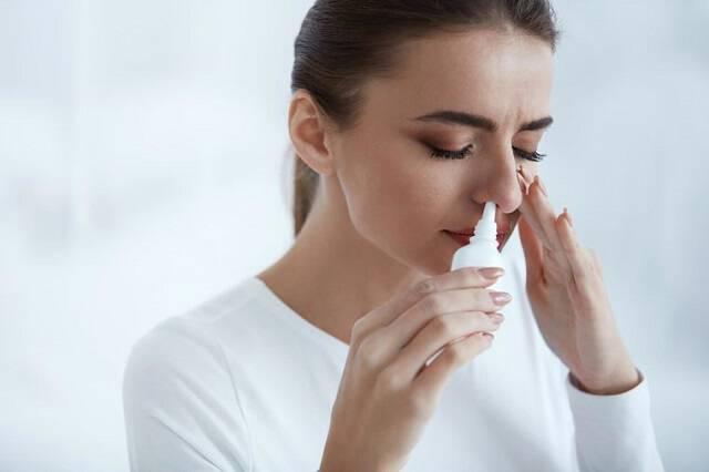 Απώλεια όσφρησης: Τι την προκαλεί & πότε είναι μόνιμη