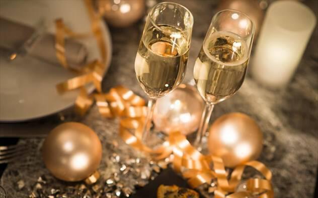 Συμβουλές για να απολαύσετε τα Χριστούγεννα κρατώντας τα κιλά μακριά