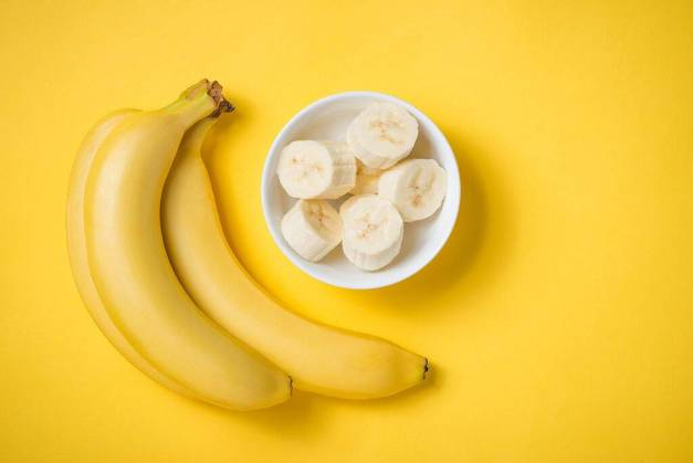 bigstock-A-Banch-Of-Bananas-And-A-Slice-