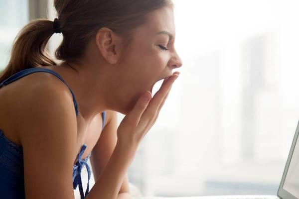 Έχετε μόνιμα υπνηλία; Δείτε ποια σοβαρή ασθένεια παραμονεύει