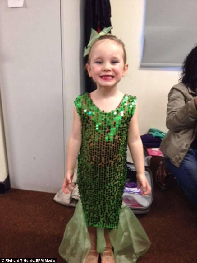 Κοριτσάκι 7 ετών που έχασε το πόδι της από καρκίνο χαίρεται που οι γιατροί το συνδέσανε ξανά γιατί θα συνεχίσει να χορεύει!!!-ΒΙΝΤΕΟ