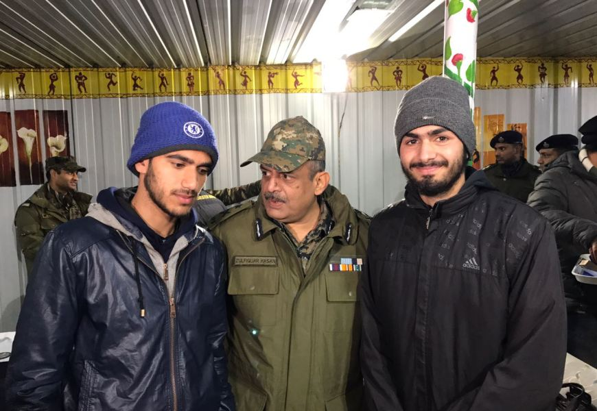 History Created :  First Time In Kashmir Two Footballers  Selected By CRPF To Play SPANISH LEAGUE