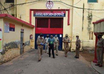 DM-SSP ने जिला जेल का किया औचक निरीक्षण