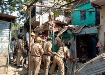वाराणसी: मकान में धमाका, 1 की मौत, कई घायल