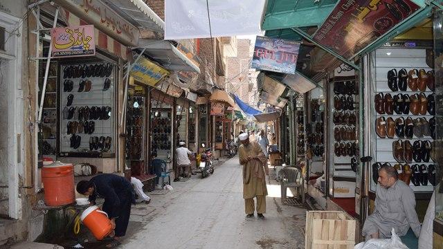Chappal-Market
