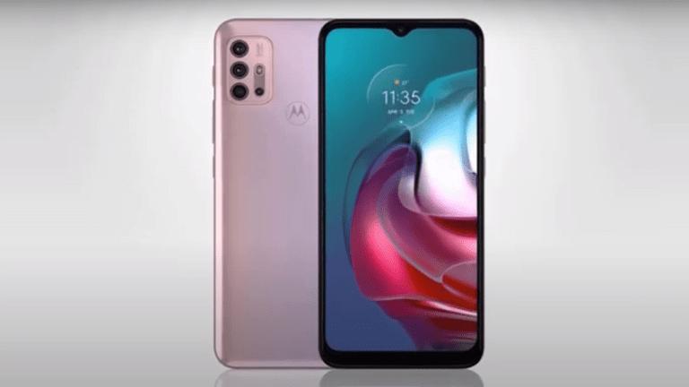 أعلنت شركة موتورولا عن هاتفين جديدين بمواصفات مميزة، طورتهما لمنافسة هواتف هواوي وسامسونغ المتوسطة الفئة.