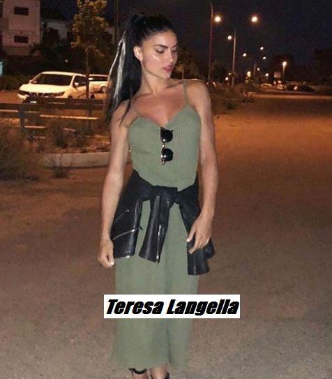 Foto della ex tronista di Uomini e donne Teresa Langella fidanzata con l'ex corteggiatore Andrea dal Corso